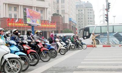Xe máy, ô tô vượt đèn đỏ bị phạt tối đa bao nhiêu tiền?