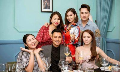 Việt Anh khoe dịp hiếm hoi tụ họp cùng hội bạn thân đình đám toàn trai xinh gái đẹp