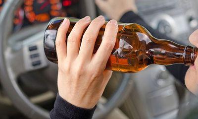 Uống rượu, bia khi tham gia giao thông bị phạt bao nhiêu tiền?