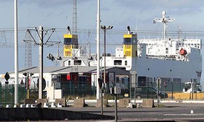 Phát hiện thêm hàng chục người di cư trái phép sang Anh trên xe tải