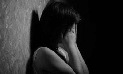Điều tra vụ thầy giáo 55 tuổi quan hệ bất chính khiến học sinh mang bầu rồi đưa đi phá