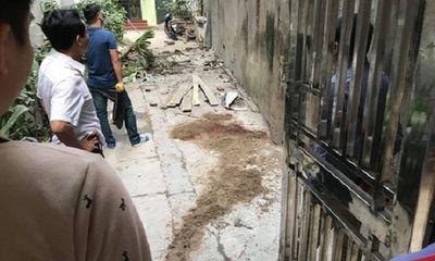 Hà Nội: Ngã từ giàn giáo tầng 5 xuống đất, nam công nhân tử vong