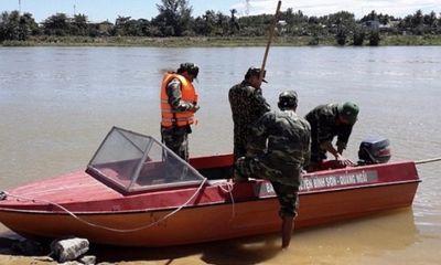 Tin tức thời sự mới nóng nhất hôm nay 14/11/2019: Tìm thấy thi thể nam sinh lớp 10 nghi nhảy sông Trà Bồng tự tử