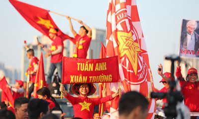 CĐV Việt Nam nhuộm đỏ