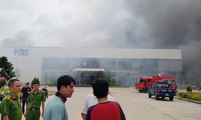 Cháy lớn tại công ty May Nhà Bè- Sóc Trăng, hàng trăm công nhân bỏ chạy tán loạn