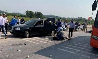 Tin tức tai nạn giao thông mới nhất hôm nay 26/11/2019: Va chạm với xe khách, hai nữ sinh lớp 10 tử vong