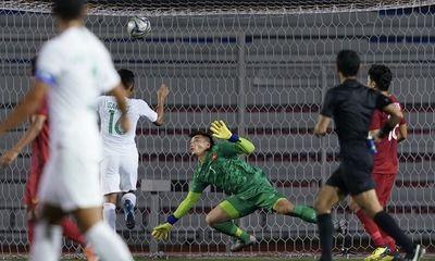 Video: Thủ môn Bùi Tiến Dũng mắc sai lầm, U22 Indonesia dẫn trước 1-0