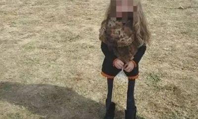 Dân mạng chưa kịp lên án bức ảnh ngược đãi trẻ em, đã câm nín vì sự thật bất ngờ