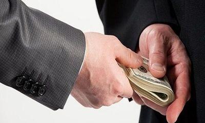 Truy tố nguyên phó viện trưởng VKSND huyện nhận 2.500 USD để