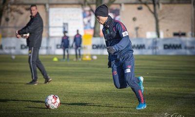 Công Phượng hăng say tập luyện cùng đồng đội ở CLB Sint-Truidense