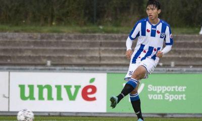 Văn Hậu không được ra sân trận SC Heerenveen gặp Willem II, có mặt trong danh sách dự bị