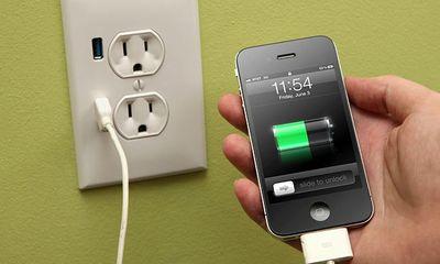 """Những thói quen sạc điện thoại này khiến pin máy """"đoản thọ"""""""