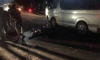 Va chạm với ô tô 16 chỗ, người lái xe máy tử vong trên đường đi cấp cứu