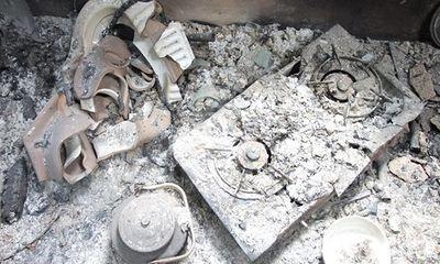 Bắc Kạn: Cuồng ghen, người phụ nữ thuê người tưới xăng đốt nhà