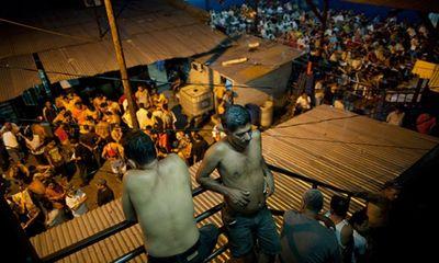 Đụng độ đẫm máu giữa các băng đảng tội phạm trong tù, ít nhất 18 người thiệt mạng