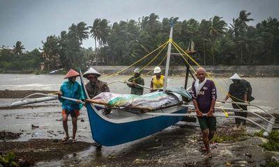 Tin tức thế giới mới nóng nhất ngày 25/12: Bão lớn đổ bộ Philippines