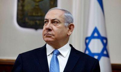 Tên lửa phóng tới bất ngờ, thủ tướng Israel phải lánh nạn ngay giữa buổi vận động tranh cử