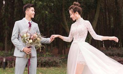 Phát sốt với bộ ảnh cưới siêu lãng mạn của vợ chồng cầu thủ Phan Văn Đức