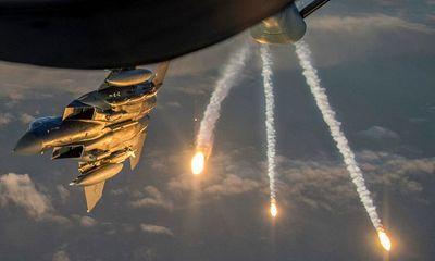 Một ngày sau vụ tấn công kinh hoàng, Vùng Xanh tại thủ đô của Iraq bị nã rocket Katyusha