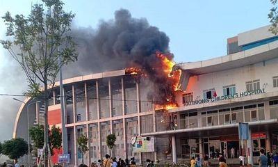 Bệnh viện Nhi Hải Dương bốc cháy, người nhà bệnh nhân hoảng loạn