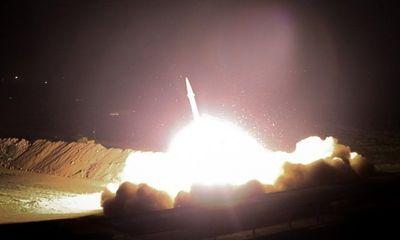 Căng thẳng leo thang, Iran nã hàng loạt tên lửa xuống căn cứ Mỹ tại Iraq