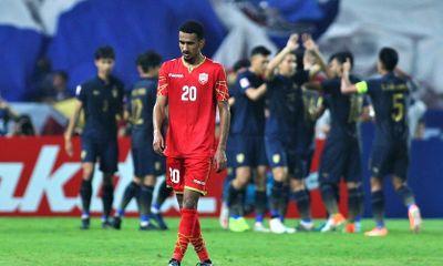 """Thua """"sấp mặt"""" U23 Thái Lan, cầu thủ Bahrain bỏ về, không bắt tay đối thủ"""