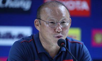 Thầy Park hài lòng với trận hòa, lý giải việc sử dụng thủ môn Bùi Tiến Dũng