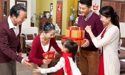 """Nên tặng quà Tết gì cho bố mẹ vợ để trở thành """"chàng rể quý"""""""