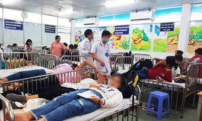 Đi du lịch, gần 90 học sinh nhập viện cấp cứu sau khi ăn xôi gà