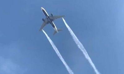 Máy bay Mỹ bất ngờ xả nhiên liệu giữa không trung khiến hàng chục người dưới mặt đất bị thương