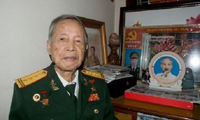"""Anh hùng La Văn Cầu trở về thời bình thành """"chiến sĩ bảo vệ môi trường"""""""