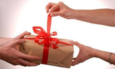 Các bộ, ngành, địa phương báo cáo việc nhận quà trái quy định trước ngày 1/2