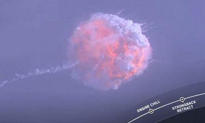 Tên lửa Falcon 9 nổ tung sau 80 giây rời bệ phóng, tàu vũ trụ Crew Dragon thoát hiểm ngoạn mục