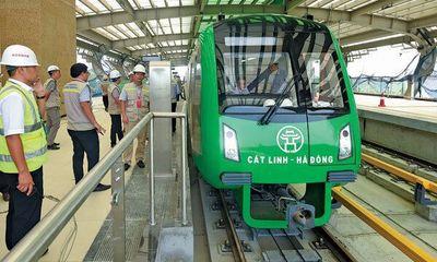 """Tổng thầu Trung Quốc """"mắc kẹt"""", Việt Nam """"oằn lưng"""" lo trả nợ cho dự án đường sắt trên cao"""