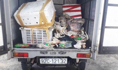 Quảng Nam: Dân tổ chức vây bắt xe tải chở thịt thối đổ xuống chân cầu