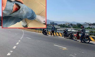 Đà Nẵng: Dầu tràn ra đường hàng chục xe máy gặp nạn