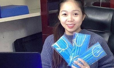 Hà Nội: Một phụ huynh may 10.000 khẩu trang tặng miễn phí cho mọi người để phòng dịch