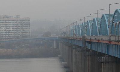 Quan chức Hàn Quốc thuộc cơ quan ứng phó dịch Covid-19 nhảy sông tự tử