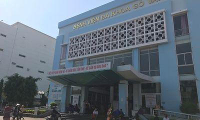 Tạm đình chỉ công tác Giám đốc bệnh viện quận Gò Vấp bị tố gom khẩu trang bán giá cao