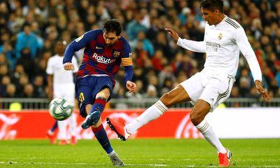 Messi tịt ngòi, Real Madrid đánh bại Barcelona để chiếm ngôi đầu La Liga