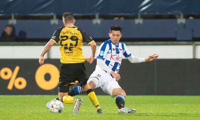 Văn Hậu chấn thương trong ngày Jong Heerenveen dội cơn mưa bàn thắng vào lưới Jong Willem II