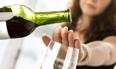 Tâm thư của một bà mẹ là bác sĩ gửi con trai thích uống rượu bia