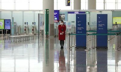 Dịch Covid-19 khiến hàng loạt hãng hàng không sa thải, giảm lương nhân viên