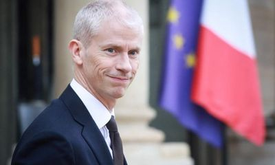 Bộ trưởng Văn hóa Pháp dương tính với SAR-CoV-2