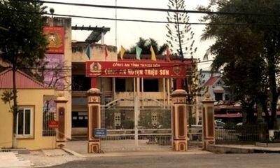 Thanh Hóa: Nghi phạm tử vong trong tư thế treo cổ tại nhà tạm giữ