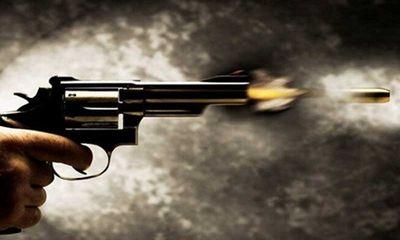 Nam thanh niên nguy kịch vì bị bạn kề súng vào đầu bóp cò
