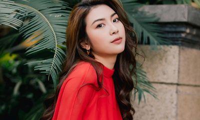 Sau khi khoe nhẫn kim cương, á hậu Thúy Vân xác nhận sẽ cưới trong năm 2020