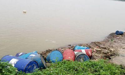 Hành vi đổ chất thải ra môi trường bị xử lý như thế nào?