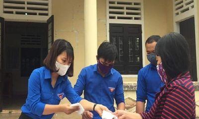 Quảng Trị: Thanh niên đổi rác thải nhựa lấy khẩu trang phòng Covid-19
