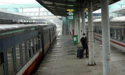 Đường sắt dừng toàn bộ tàu đi Lào Cai